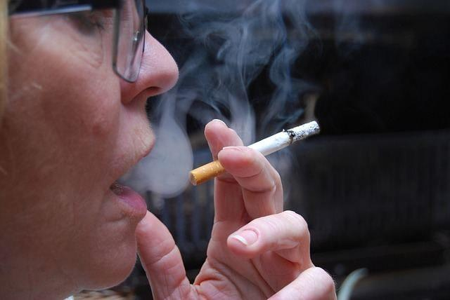Smoking can increase chances of hearburn